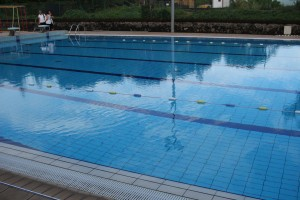 La piscine calme et tranquille